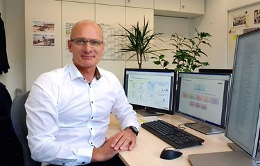 Christian Rosek in seinem Büro bei Airbus Defence and Space